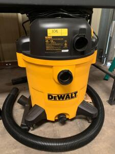 DeWalt 12 Gallon Wet/Dry Vac