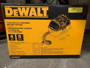 DeWalt 4 Gallon Wet/Dry Vac