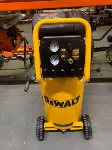 Dewalt Air compressor 225 psi 15 gallon