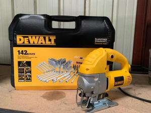 DeWalt 142pc Mechanics Tool Set and Electric Orbital Jig Saw