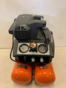 Ridgid StrongStart Quiet Compressor 200 psi 4.5 Gal