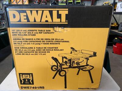 DeWalt 10in Jobsite Table Saw with Rolling Stand